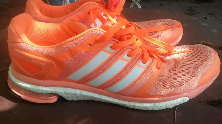 Adidas boost color naranja,excelentes talle us 10