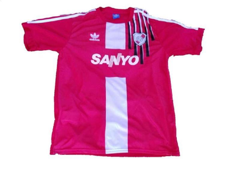Camiseta river retro alternativa 1994