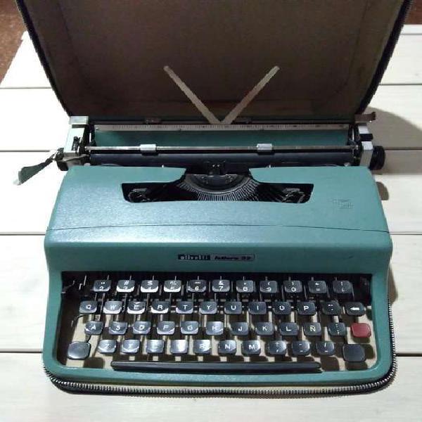 Maquina escribir olivetti lettera 32 con maletín