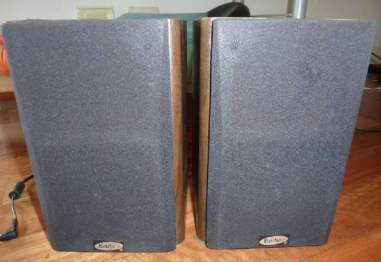 Parlantes Bafles Potenciados Edifier R1000 TC Monitores