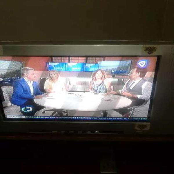 Tv 21 pulgadas pantalla plana + mesa de madera