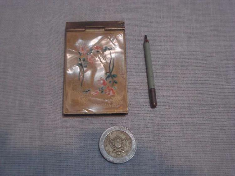 Antiguo anotador tapa nacarada