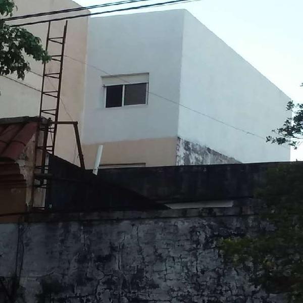 Alquilo departamento céntrico con cochera en Corrientes