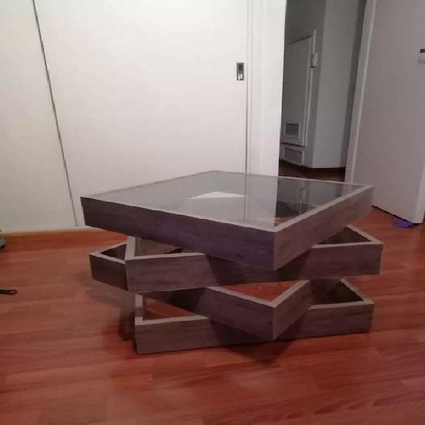 Mesa ratona de diseño. nueva
