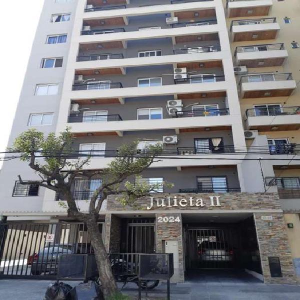 Monoambiente con balcon en edificio julieta ii