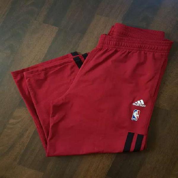 Pantalón deportivo nba adidas importado