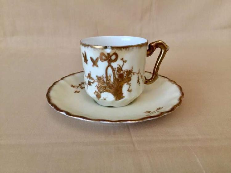 Remate de antigua taza de café en porcelana limoges