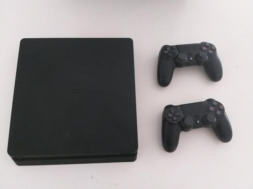 Ps4 500gb con 2 joystick y fifa 2020 digital oficial.