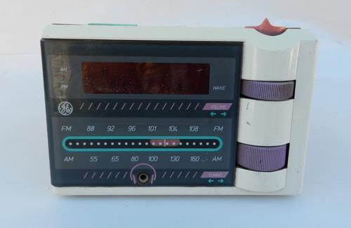 Antigua radio reloj electronico general electric 7-4607 aps