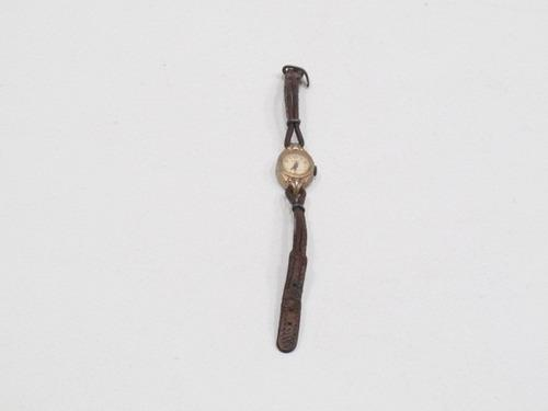 Antiguo reloj analógico suizo sigand antimagnetic a cuerda