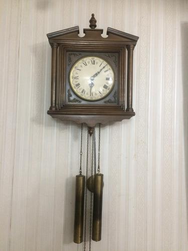Antiguo reloj de pared aleman c/ cadenas sonería y pesas