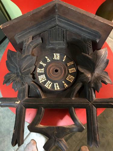 Caja de reloj cucú antiguo