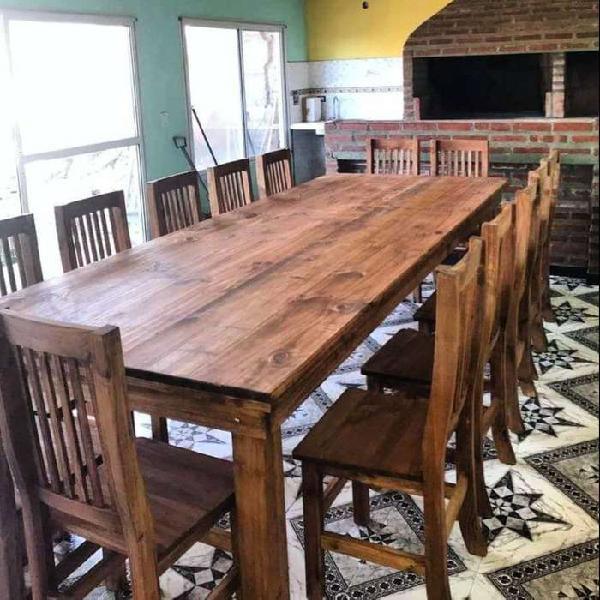 Mesa de 3x120 con 14 sillas