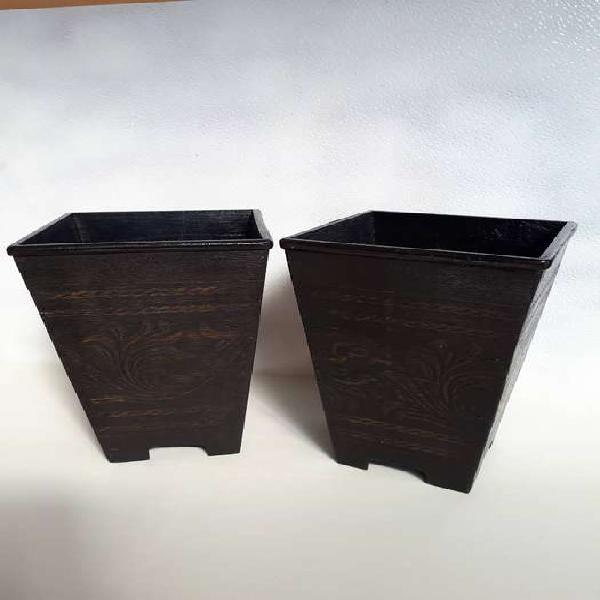 Portamaseta de madera tallados hindu.