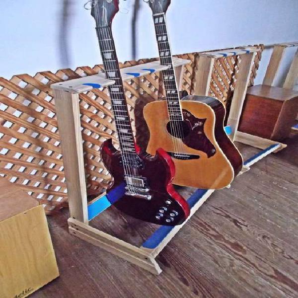 Soporte para 3 y 5 guitarras/bajos
