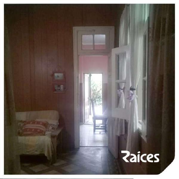 Casa en venta de 3 dormitorios c/ cochera en otros barrios