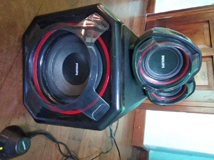 Parlantes philips con subwoofer 2.1 mod spa5300