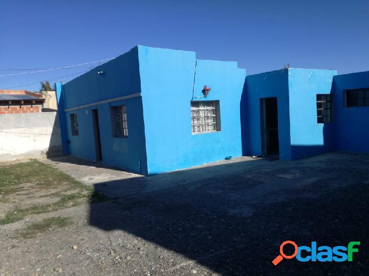 Casa 3 ambientes + departamento s/lote 550m2