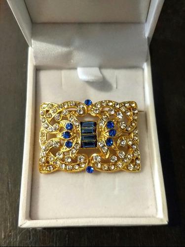 Antiguo broche estilo francés bañado en oro con cristales