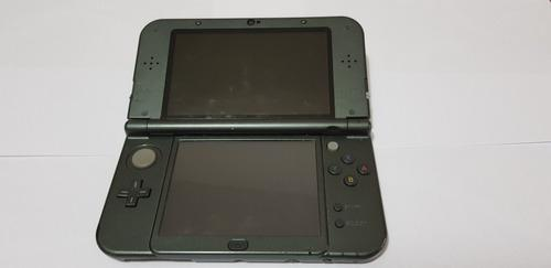 Nintendo 3ds xl con 5 juegos y un estuche en muy buen estado
