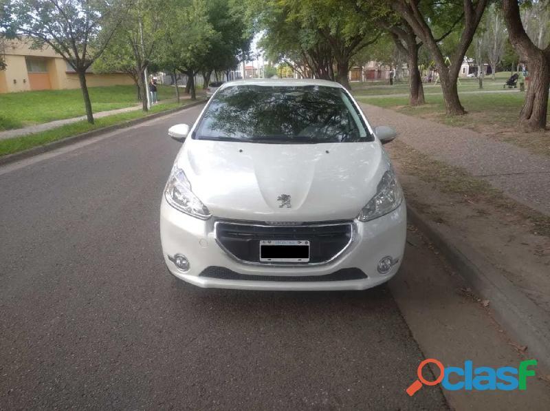 Peugeot 208 1.5 allure