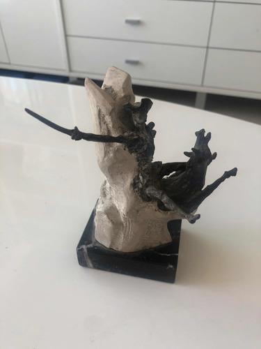 Escultura el quijote de aurelio teno