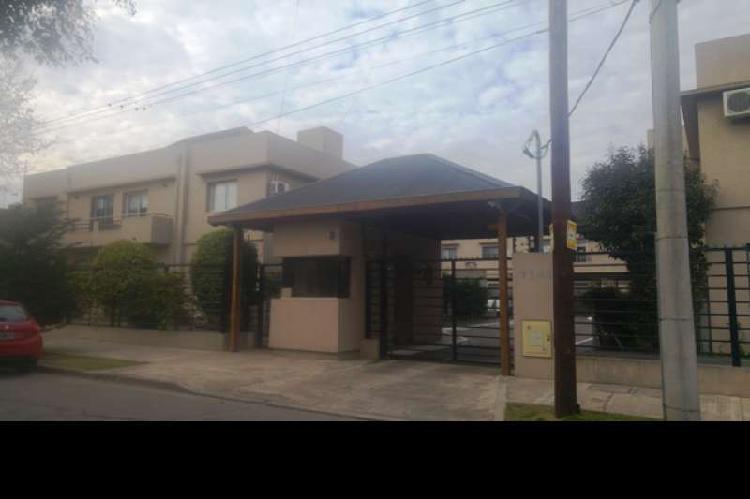 Duplex en venta haedo / moron (b123 78)