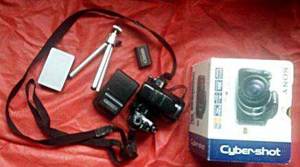 Kit fotográfico:cámara - bolso-tripode y accesorios