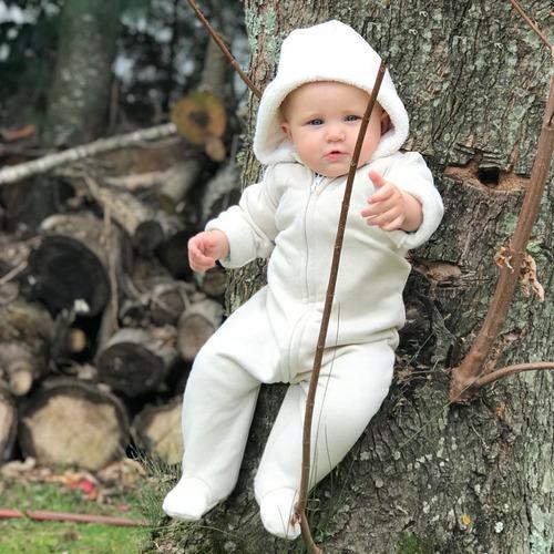Ropa de bebe, enterito de frisa con capucha de corderito