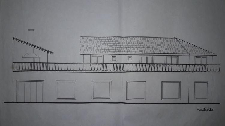 Casa (1° piso) y galpon (planta baja)