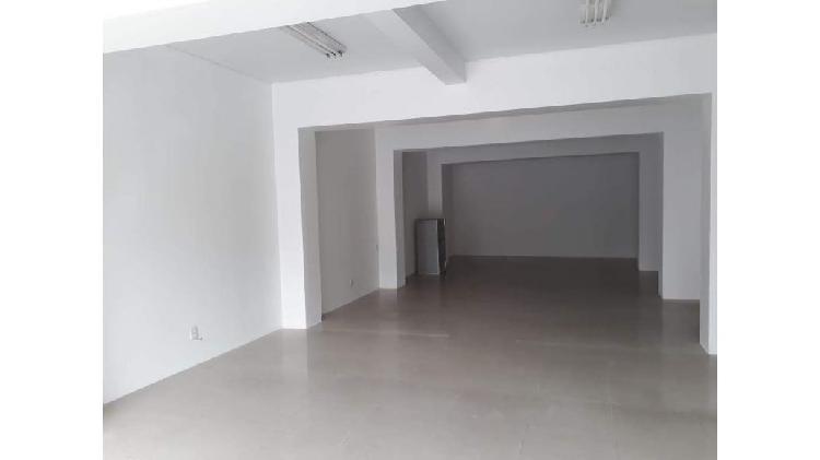 Alquilamos amplio local comercial ideal instituto u oficinas