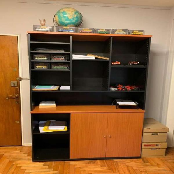 Lote de muebles de oficina