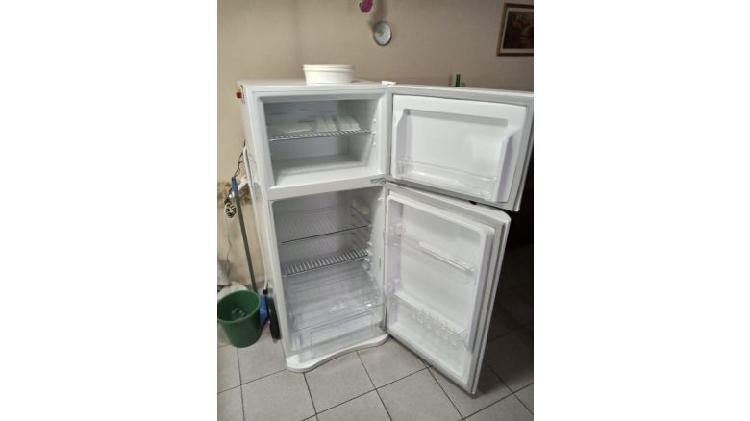 "Heladera c/freezer 357lts ""sin uso"""