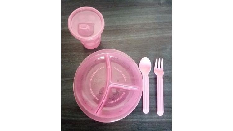 Set de plato vaso y cubiertos.mamadera,cepillos