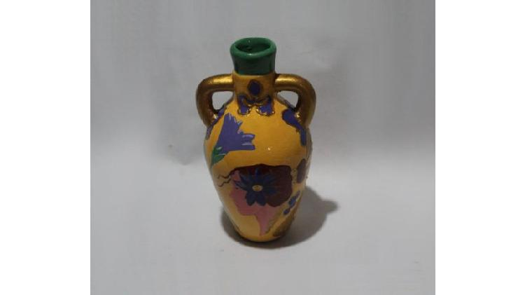Florero tipo ánfora art nouveau pintado a mano, $ 100