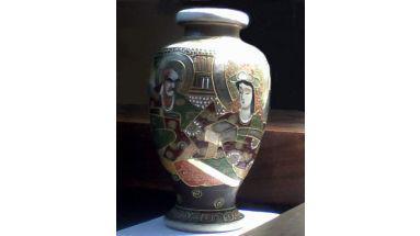 Jarrón de porcelana japonesa estilo satsuma