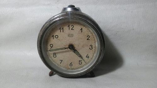 Antiguo reloj despertador ruhla umf funcionando