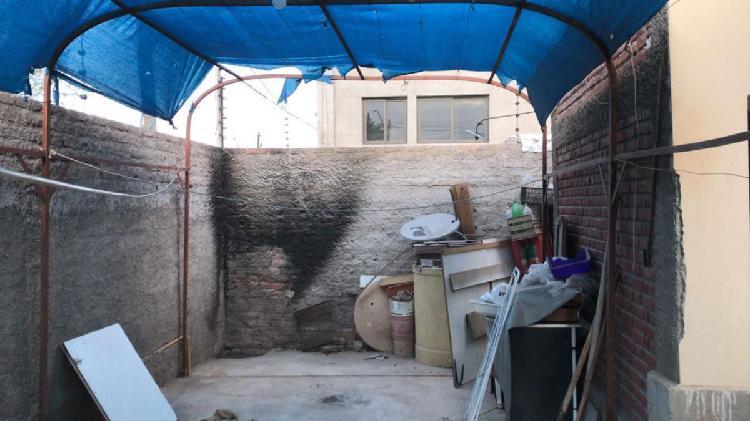 Casa 3 dormitorios 2 baños, 120 m2 cubiertos con negocio