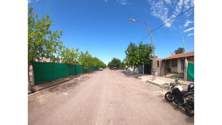 Casa barrio alto drummond / barrio semi privado / lujan de
