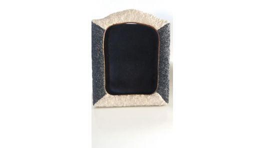 Portarretrato nuevo madera con piedras en blanco y negro