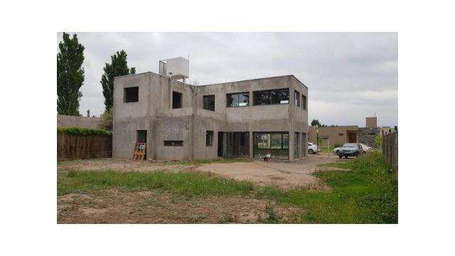 Casa a terminar en barrio privado villa atilia, lujan de