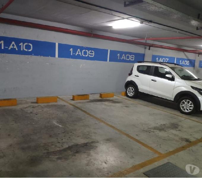 Cochera en complejo terra forte 2 (acepto vehículo)