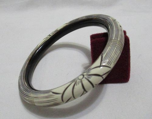 Antigua pulsera entera tallada diseño ramas y flores