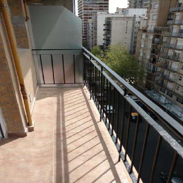Departamento 1 ambiente reciclado al frente con balcon