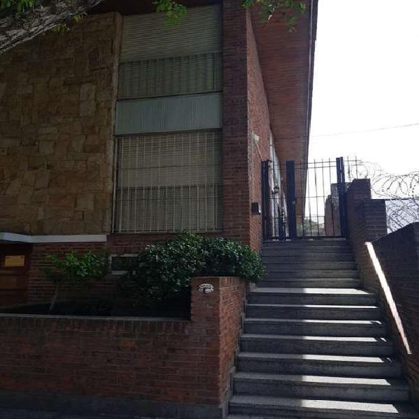 Duplex 3 ambientes con cochera . punta mogotes- bajo su