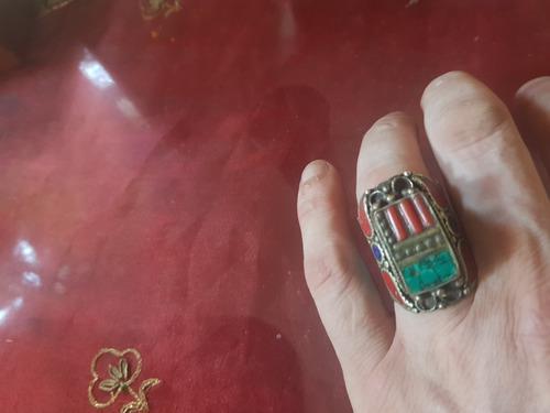 Gran anillo de la india, en plata, turquesas y lapizlázuli