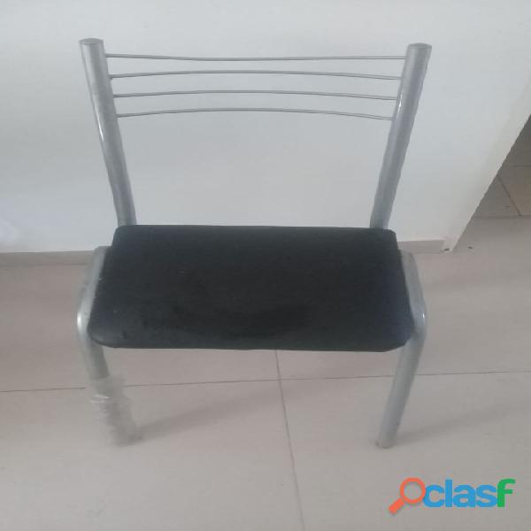 Mesa de caño y 4 sillas