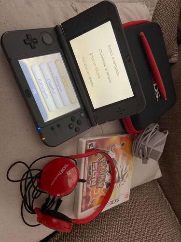 Nintendo 3ds xl 1 mes de uso con funda y auriculares.