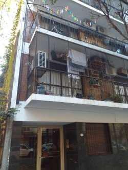 Alquiler 1 ambiente al frente con balcon.j.jaures al 1000