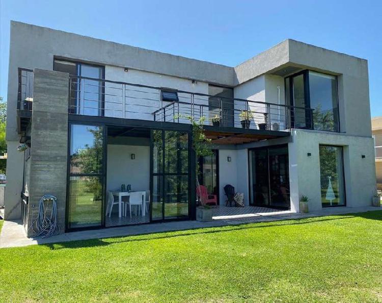 Casa en barrio rumenco en alquiler temporada invierno